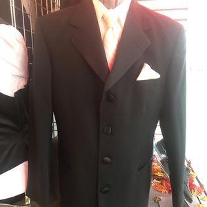 NWT 4 button After Six San Don Tuxedo Jacket